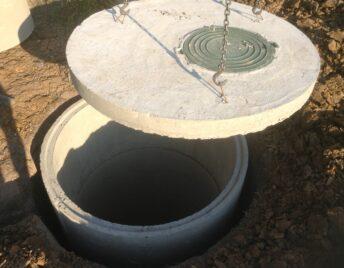 Установка коллекторного колодца бетонного